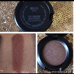 Mac cosmetics eyeshadow shade mulch